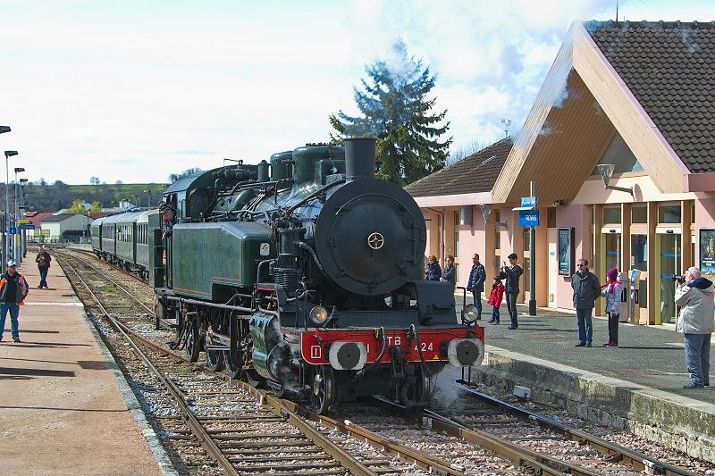 Remise en tête de la locomotive 141 TB 424