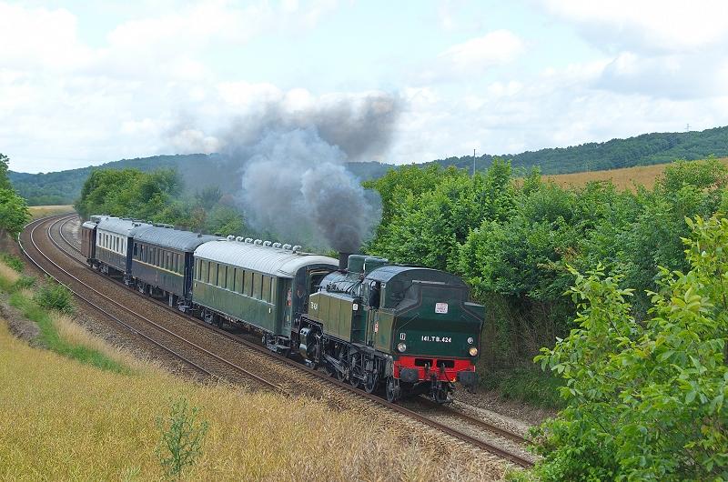 Le train à vapeur sur la ligne 4 entre Longueville et Flamboin (photo C. Santiciolli)